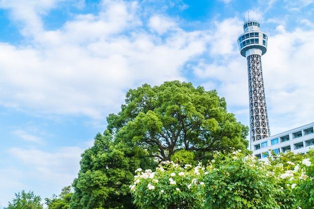 マリンタワーの美しい外観の建物