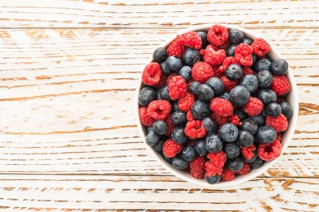ブルーベリーとラズベリーの果実