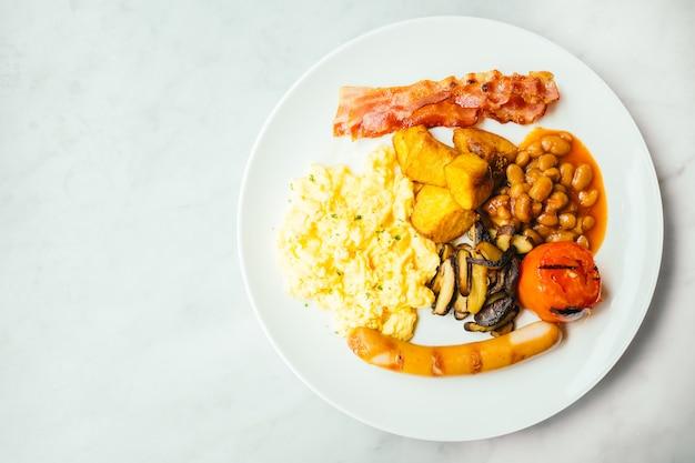 英語の朝食皿