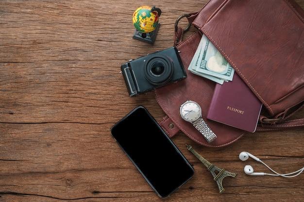 旅行者のライフスタイルのための旅行アクセサリー