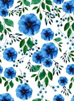 水彩の青いアネモネの花、ベリー、緑の葉のシームレスパターン