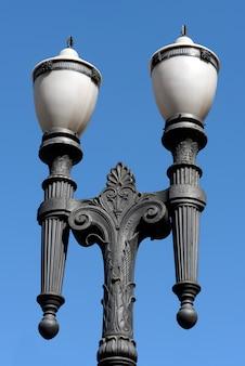 Античный фонарный столб, символ города сан-паулу