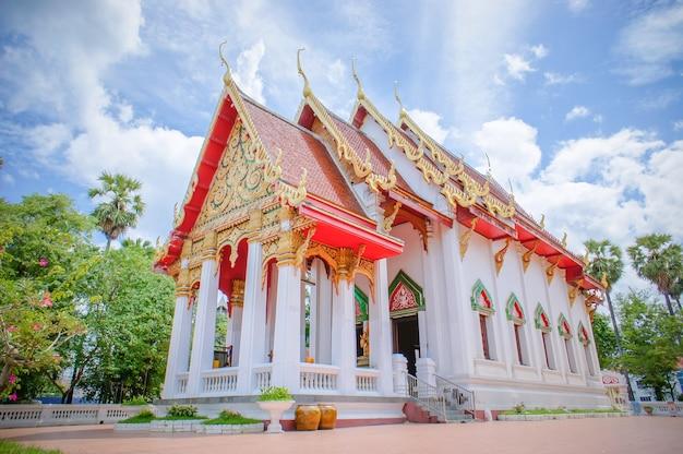 ワットタイの寺院古典的なスタイルタイ、寺院は仏教徒の信仰です。