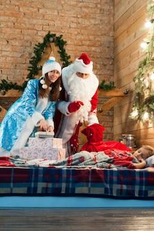 お祝い、クリスマス、新年、冬時間、休日、サンタクロース、スノーメイド