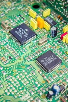 超小型回路をクローズアップ。セレクティブフォーカス