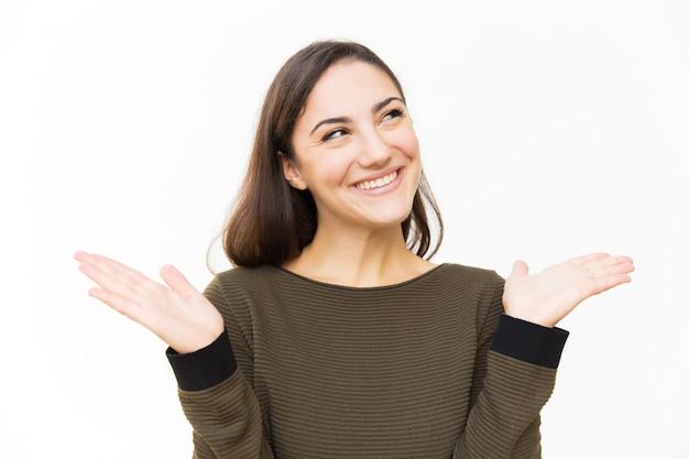 Обрадованный удивленной латинской улыбкой
