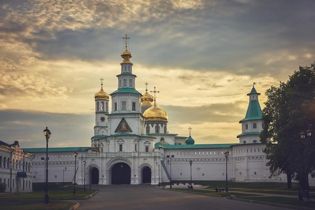 復活の新しいエルサレム修道院。イストラ、モスクワ地方、ロシア。