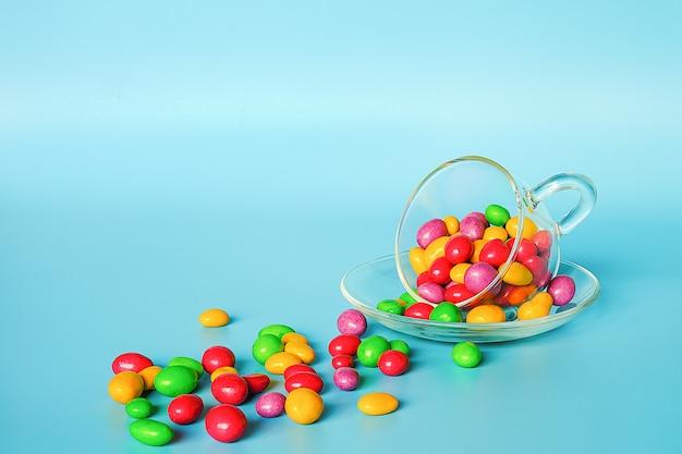 着色された艶をかけられたキャンデー豆
