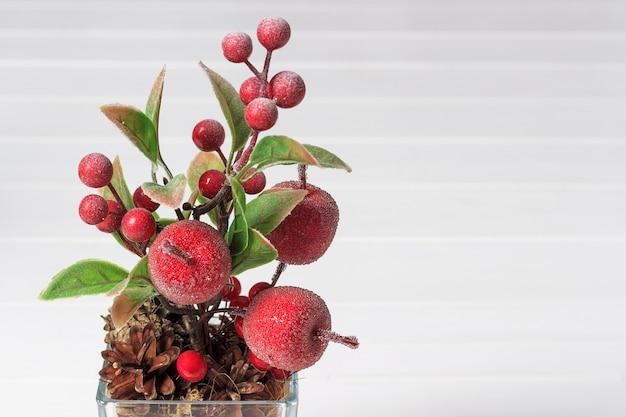 人工リンゴと果実の装飾的組成物