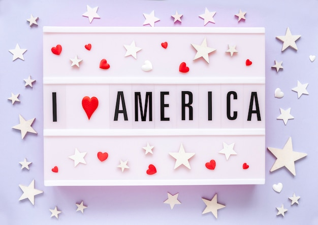 Америка любит логотип. я люблю америку, написанную в лайтбоксе с днем независимости сша