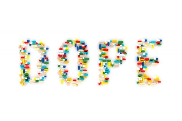 「ドープ」という言葉の形で横たわっている多くの錠剤