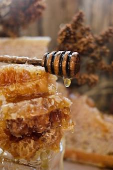 蜂蜜スプーン付きハニカム