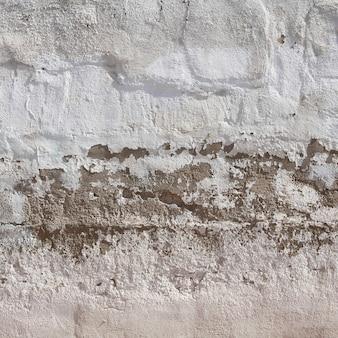剥離による損傷した壁