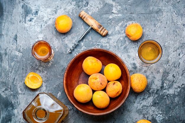 Домашнее абрикосовое вино