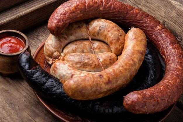 スモーク肉とソーセージ