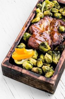 ビーフステーキと野菜のグリル