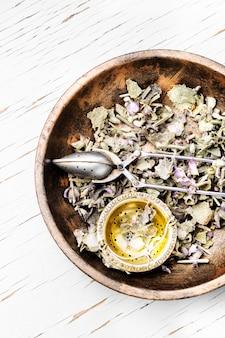 Натуральная медицина и травы