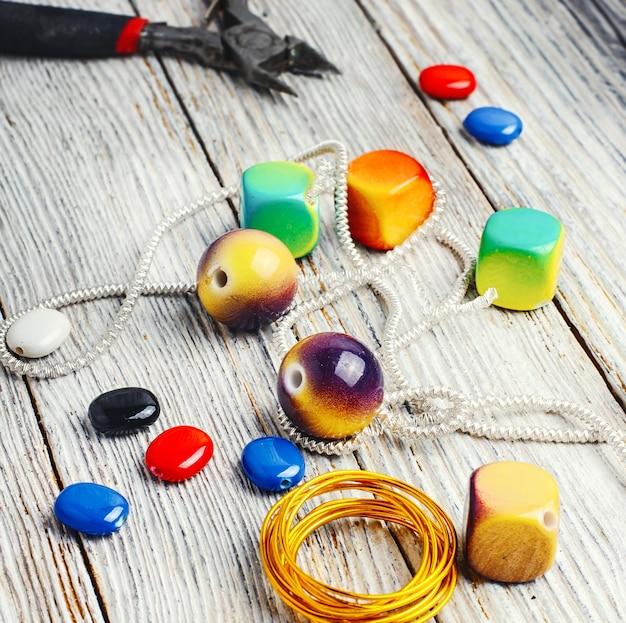 裁縫の創造性のためのアクセサリー