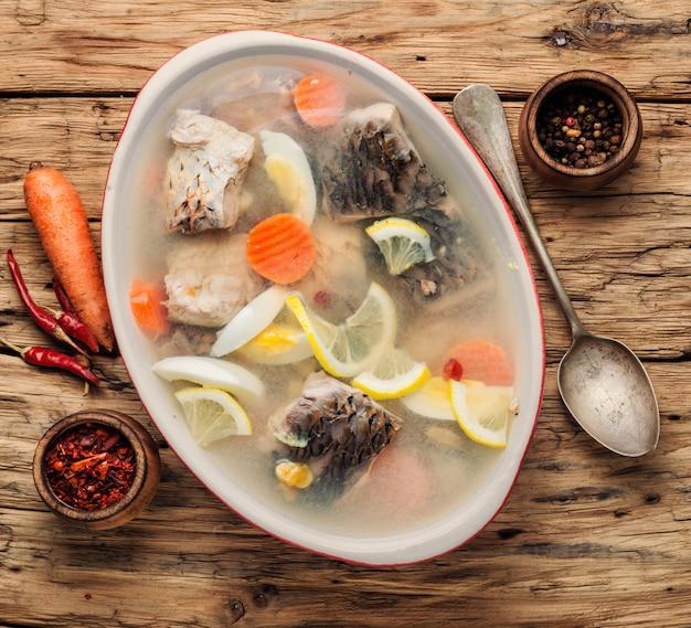 Рыба и овощи заливные