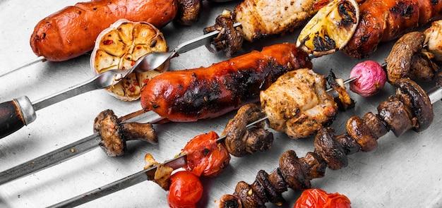 Мясные блюда на гриле
