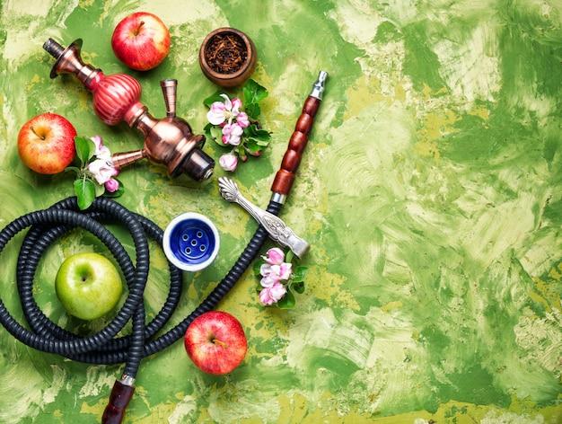 Кальян с яблочным табаком
