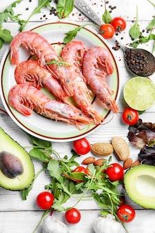 大エビと季節の野菜