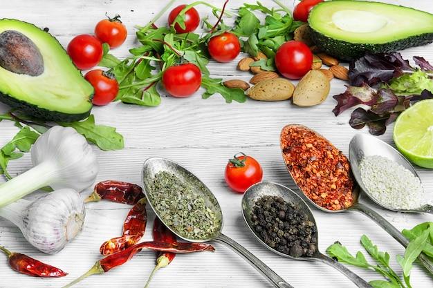 スパイス、有機野菜、ハーブ