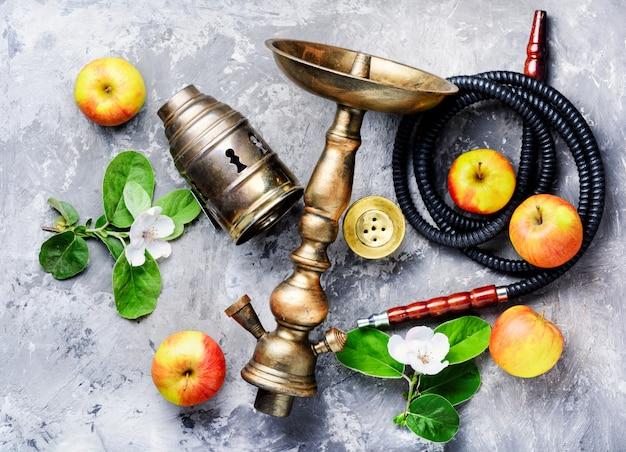 リンゴと水ギセル