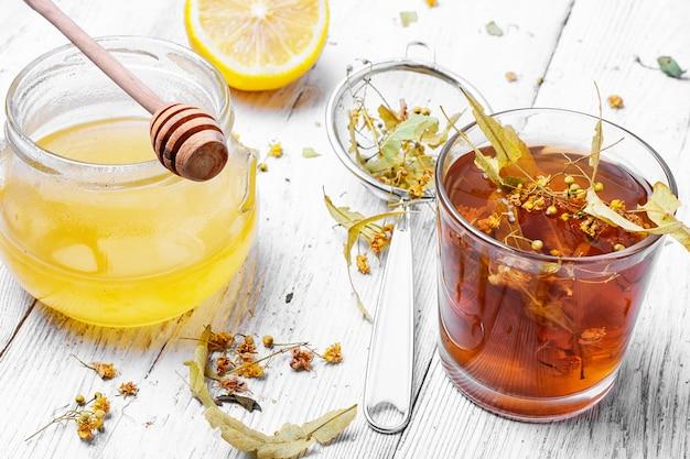 Липовый травяной чай