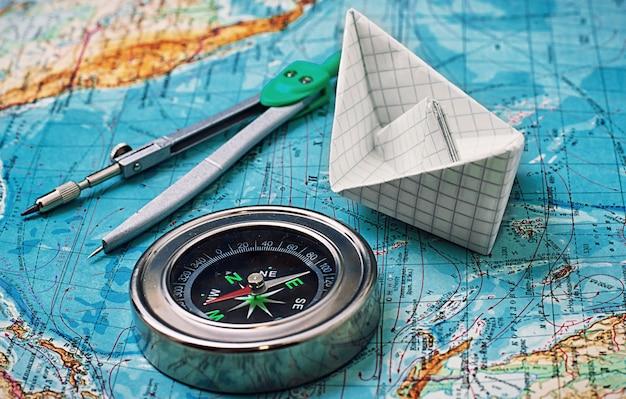 コンパス、主な観光機器の地図