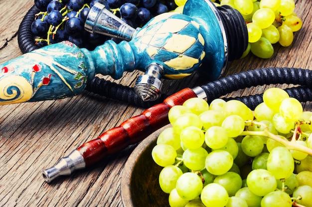 Восточный кальян с виноградом