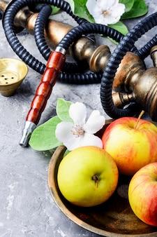 水ギセルとリンゴ