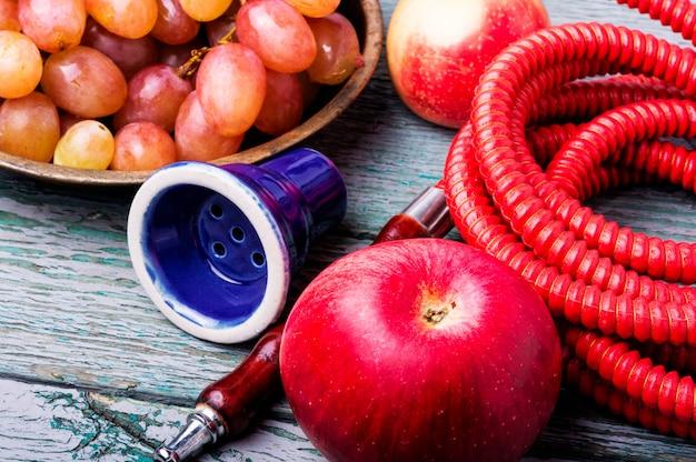香りのブドウと水ギセル