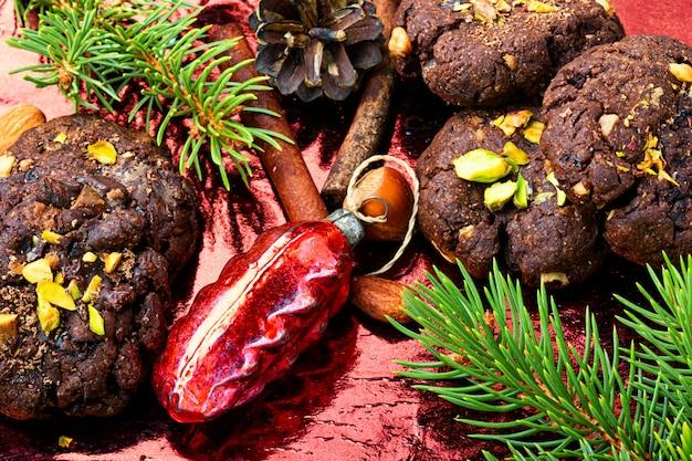 Праздничное шоколадное печенье