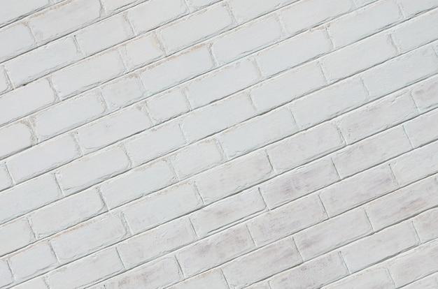 白に塗られたレンガの壁の質感