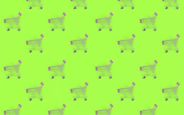 多くの小さな空っぽのショッピングカート