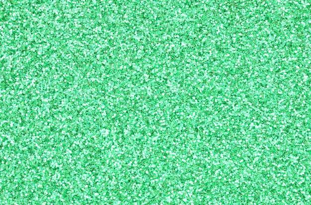 大量の緑色の装飾スパンコール。