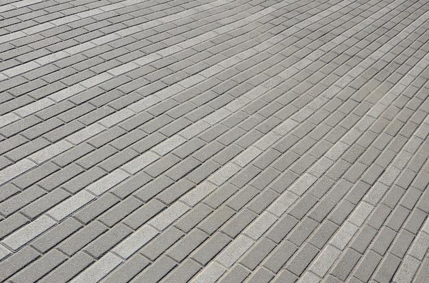 町の広場の石畳の道。