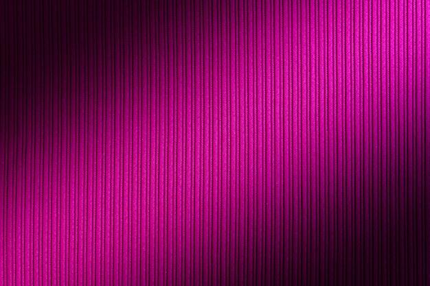 Декоративный фон пурпурный, фуксия, фиолетовый цвет, полосатый текстуры диагональный градиент.