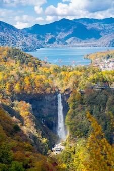Водопад кегон в никко, япония