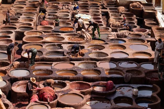モロッコの古い皮なめし工場