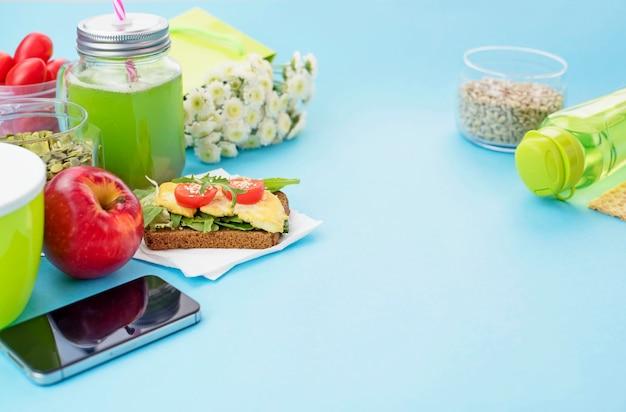 Здоровый вегетарианский завтрак