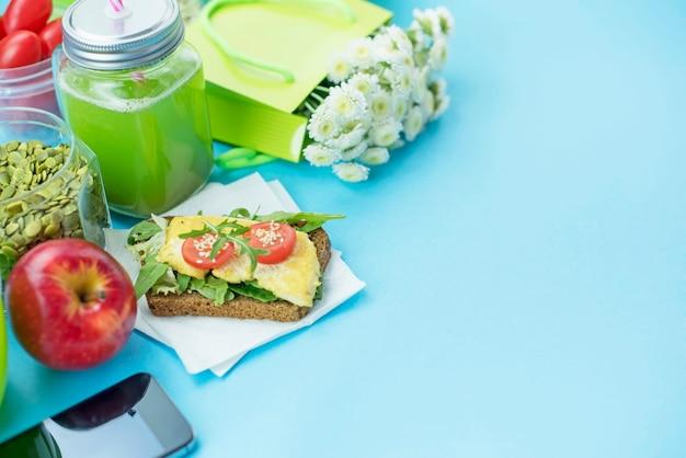 健康的なベジタリアン朝食