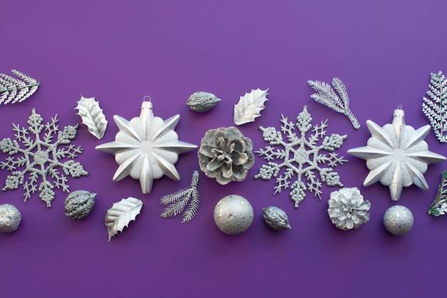 クリスマスの装飾のための装飾的組成物。