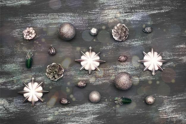 クリスマスのおもちゃのギフトで装飾的なクリスマス背景組成