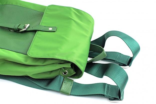 Рюкзак зеленый на белом фоне