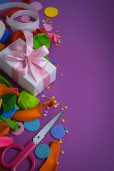 装飾的組成物休日のデザインのための材料のセット。