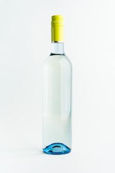 白ワインのボトル。アルコール飲料。