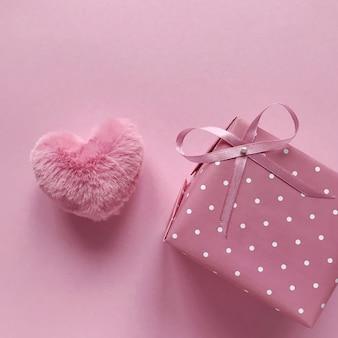 女性の日。バレンタイン・デー。春
