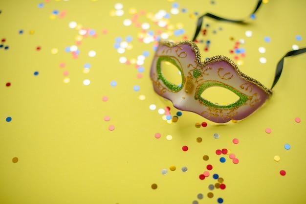 Карнавал. вторник на масляной неделе. бр карнавал. вторник на масляной неделе. бразильский карнавал весенний бразильский карнавал.